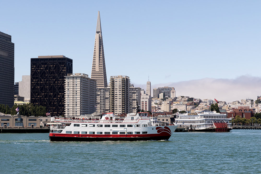San_Francisco_harbor_scene_with_Transamerica_Pyramid.png